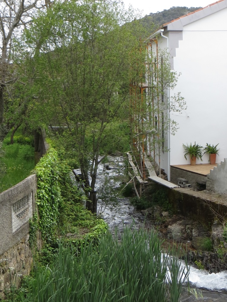 The bridge in the middle of Galegos