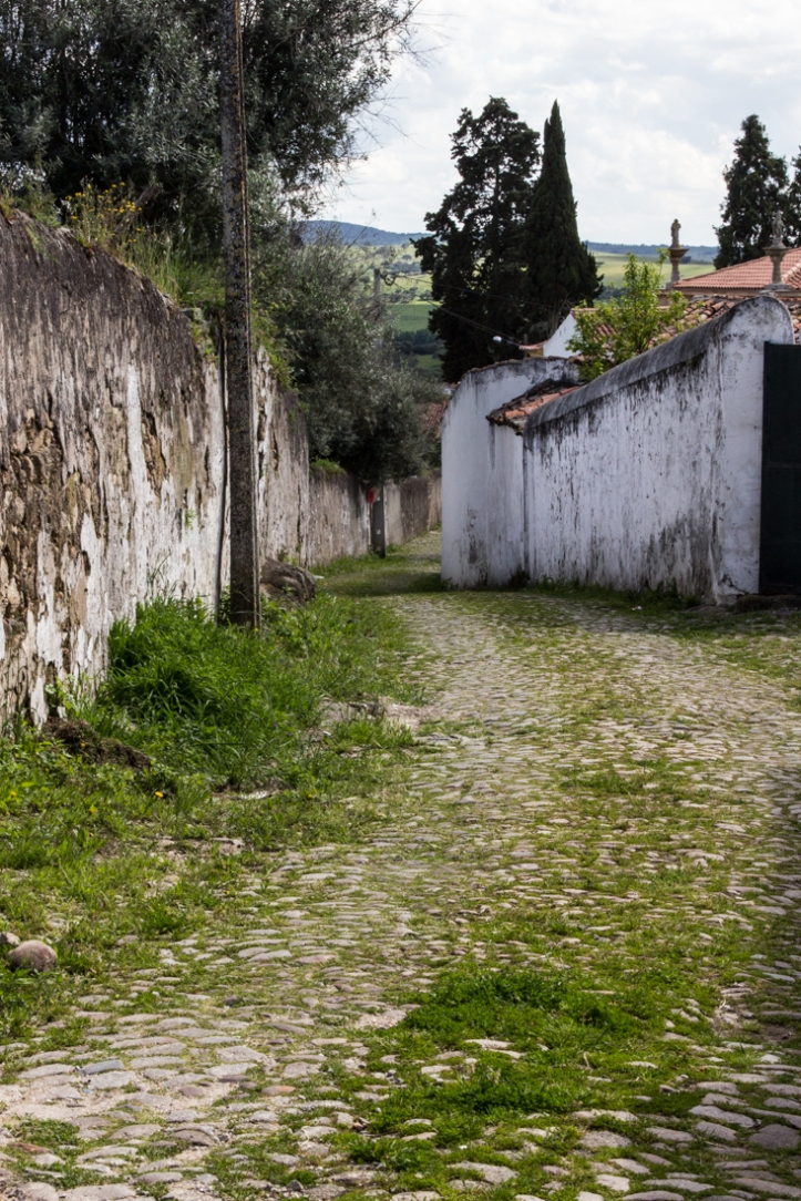 An old road into Crato from the Roman Bridge