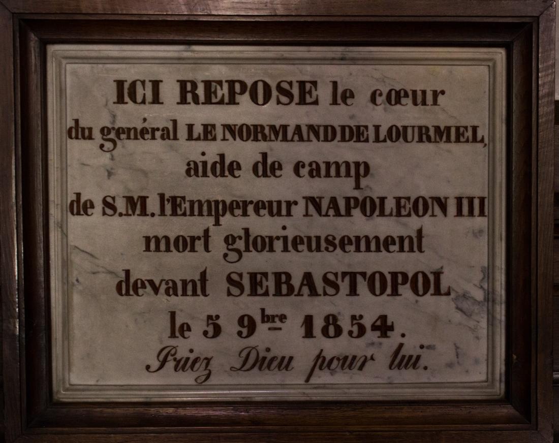 In Notre Dame de Joie
