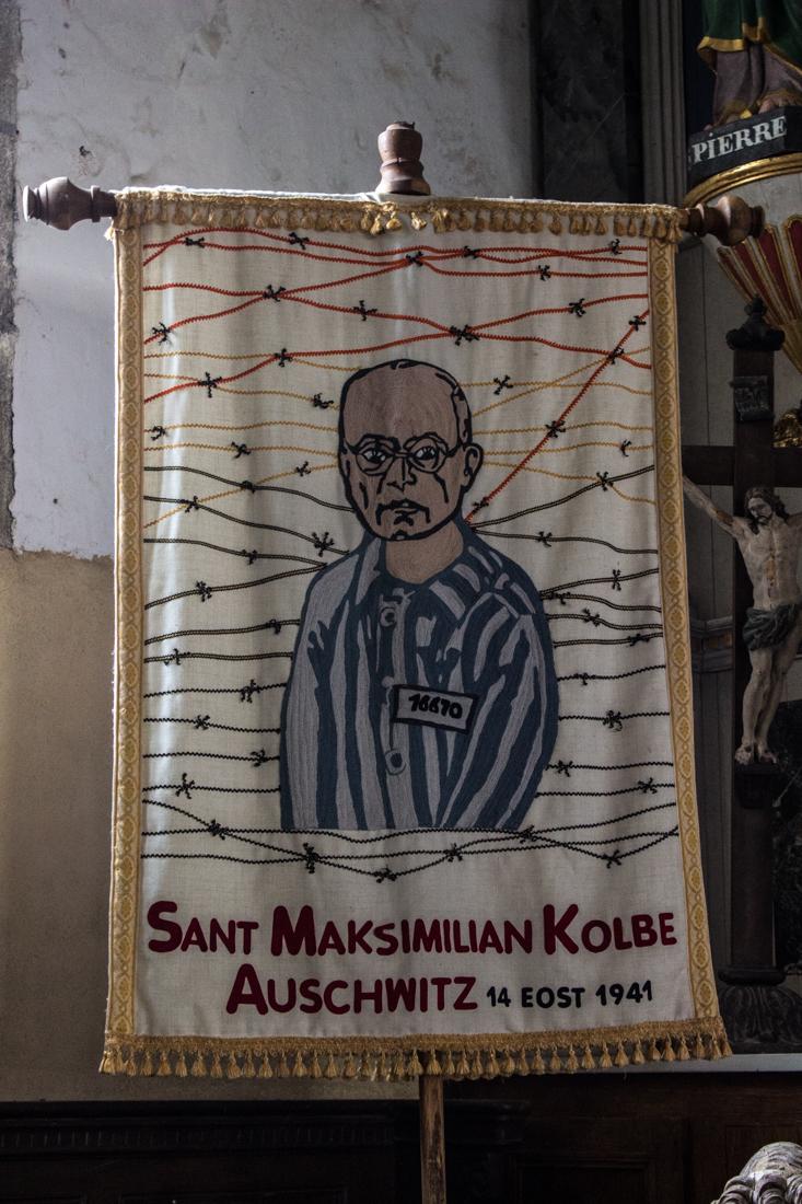 Banner in the Church, Plouneour-Menez