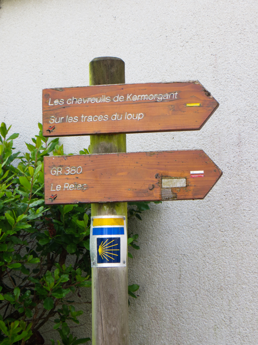 Signpost in Le Cloitre St Thegonnec