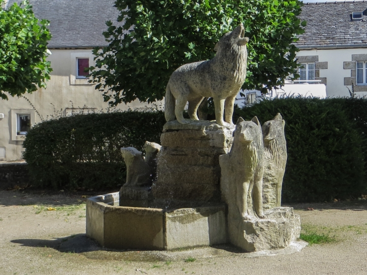 Back in Le Cloitre St Thegonnec, with its Museum of the Wolf