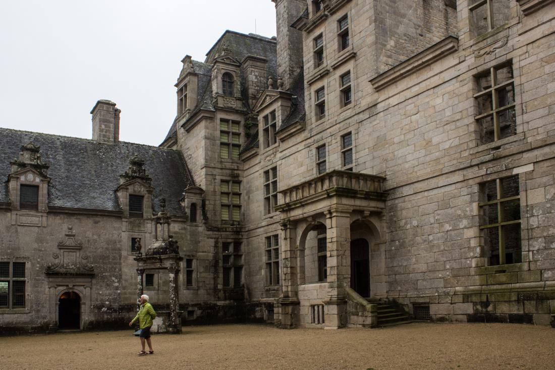 16-9-15-chateau-of-kerjean-lr-2