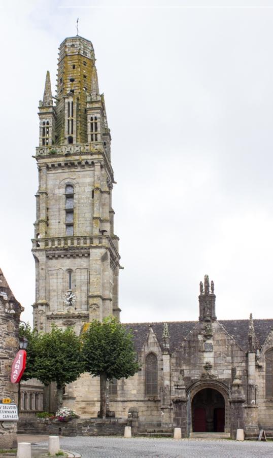 Notre Dame de Lampaul-Guimiliau