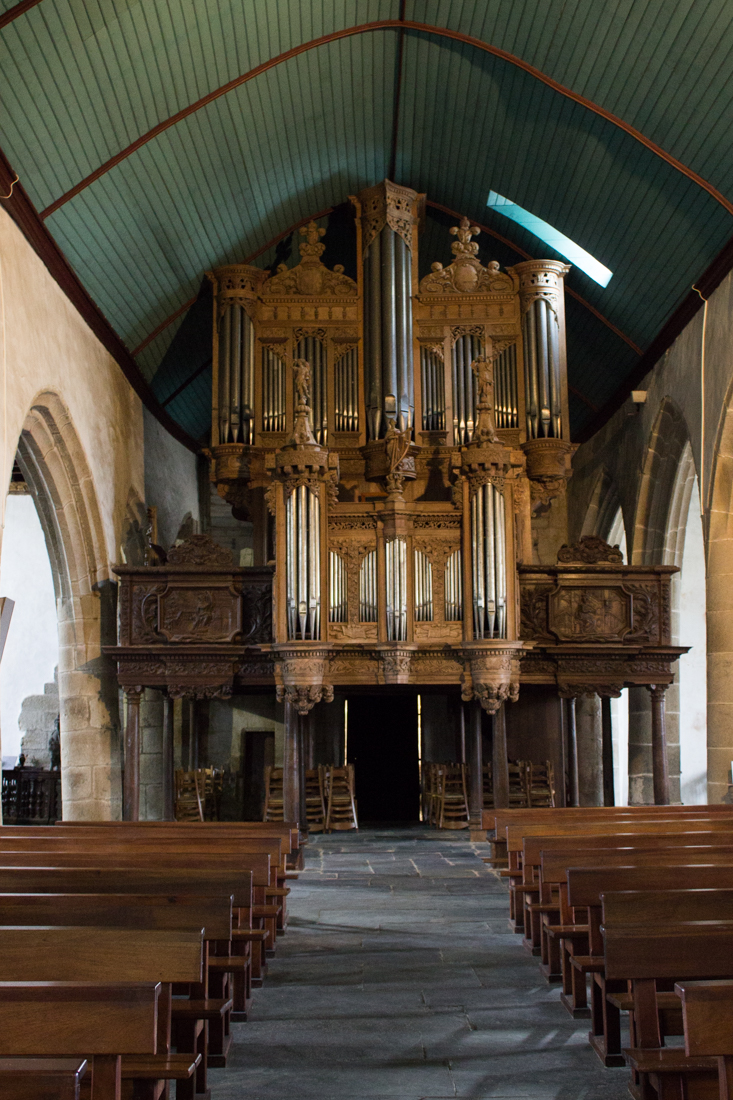 The organ by Thomas Dallam II in St Guimiliau