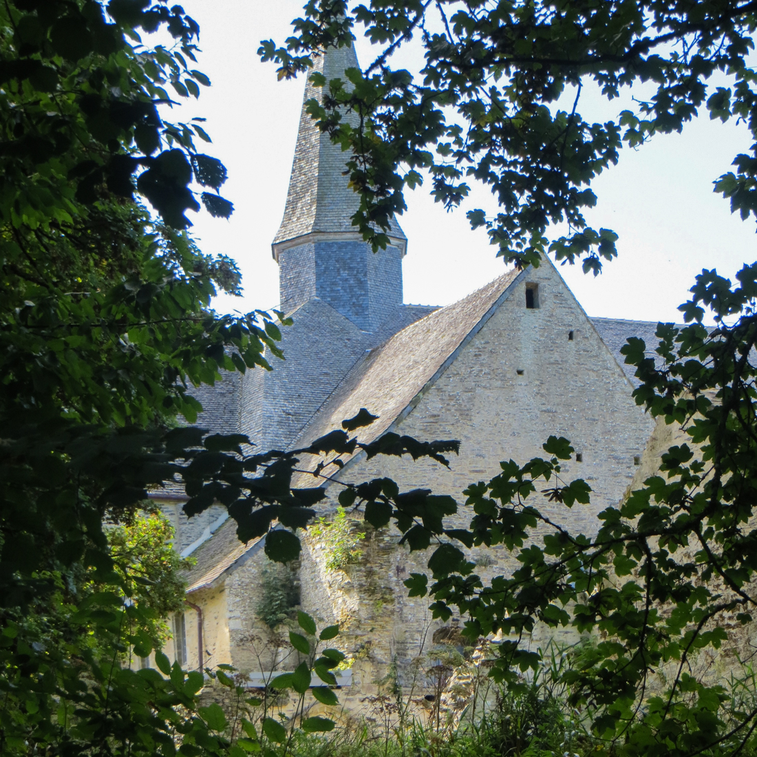 16-9-23-walk-from-le-releq-lr-2440