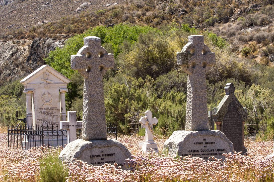 James & Emma Logan's graves