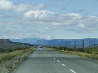 The road between Three Sisters & Murraysburg