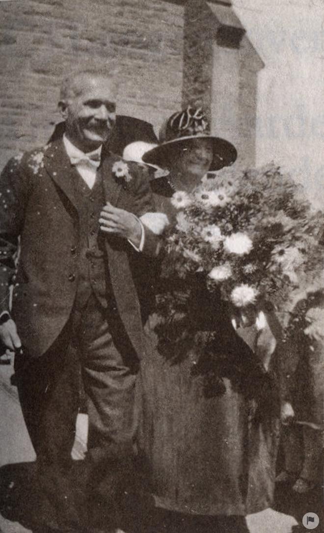 Langenhoven & his wife, 1926 (https://www.wikiwand.com/en/Cornelis_Jacobus_Langenhoven)