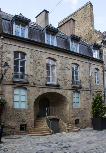 Mansion in the Rue Nationale