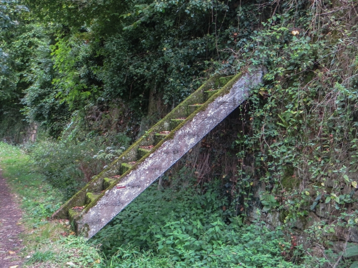The path just outside Moncontour