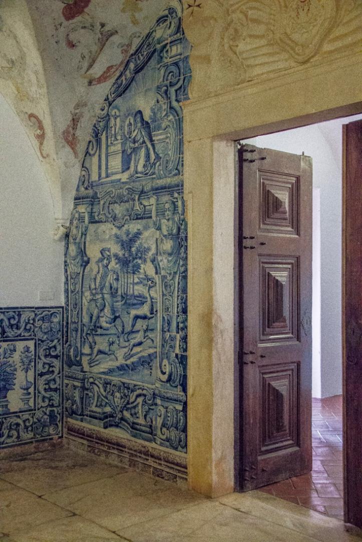 Tiled reception room in the Pousada Vila Vicosa