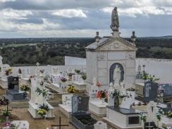 The graveyard in Seda