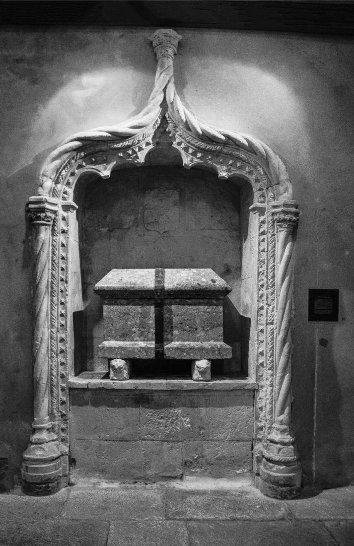 The tomb of Jorge de Lencastre