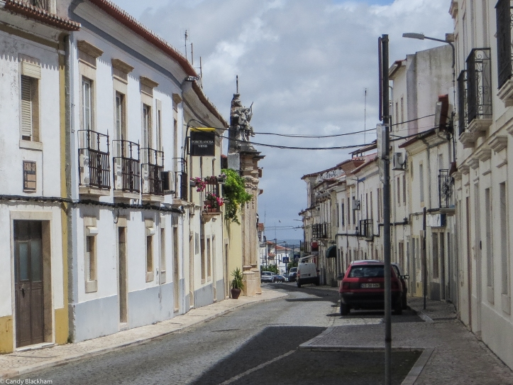 A street in Borba with the Chapel of the Stations of the Cross on the left