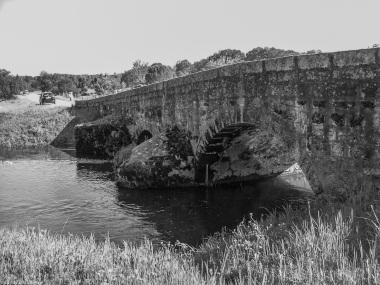 Roman bridge near Pousada Flor de Rosa