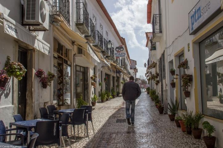 The main street of Moura