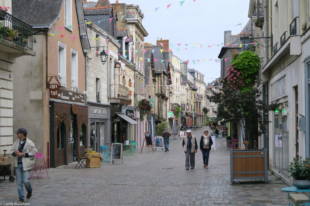 The high street of Redon