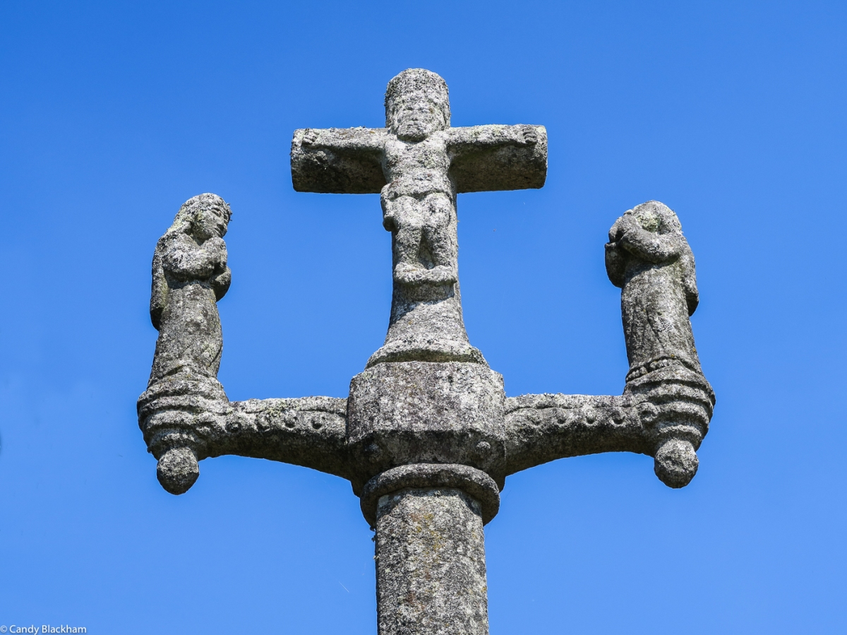 The Calvary outside the Chapel of St Goal in Calan