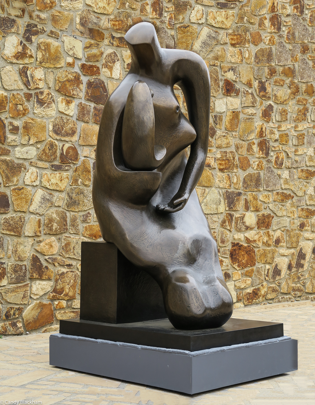 Henry Moore: Mother & Child, block seat (1983-84)