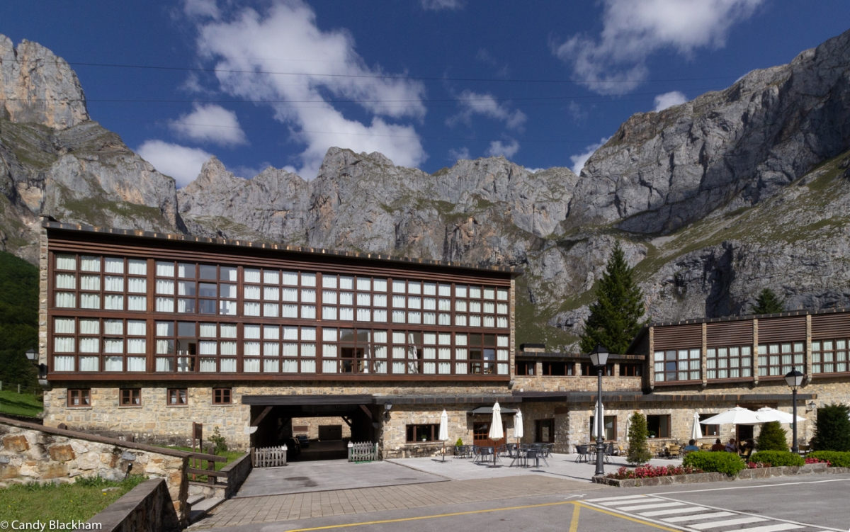 The Parador at Fuente De with the cable car cables in the sky above