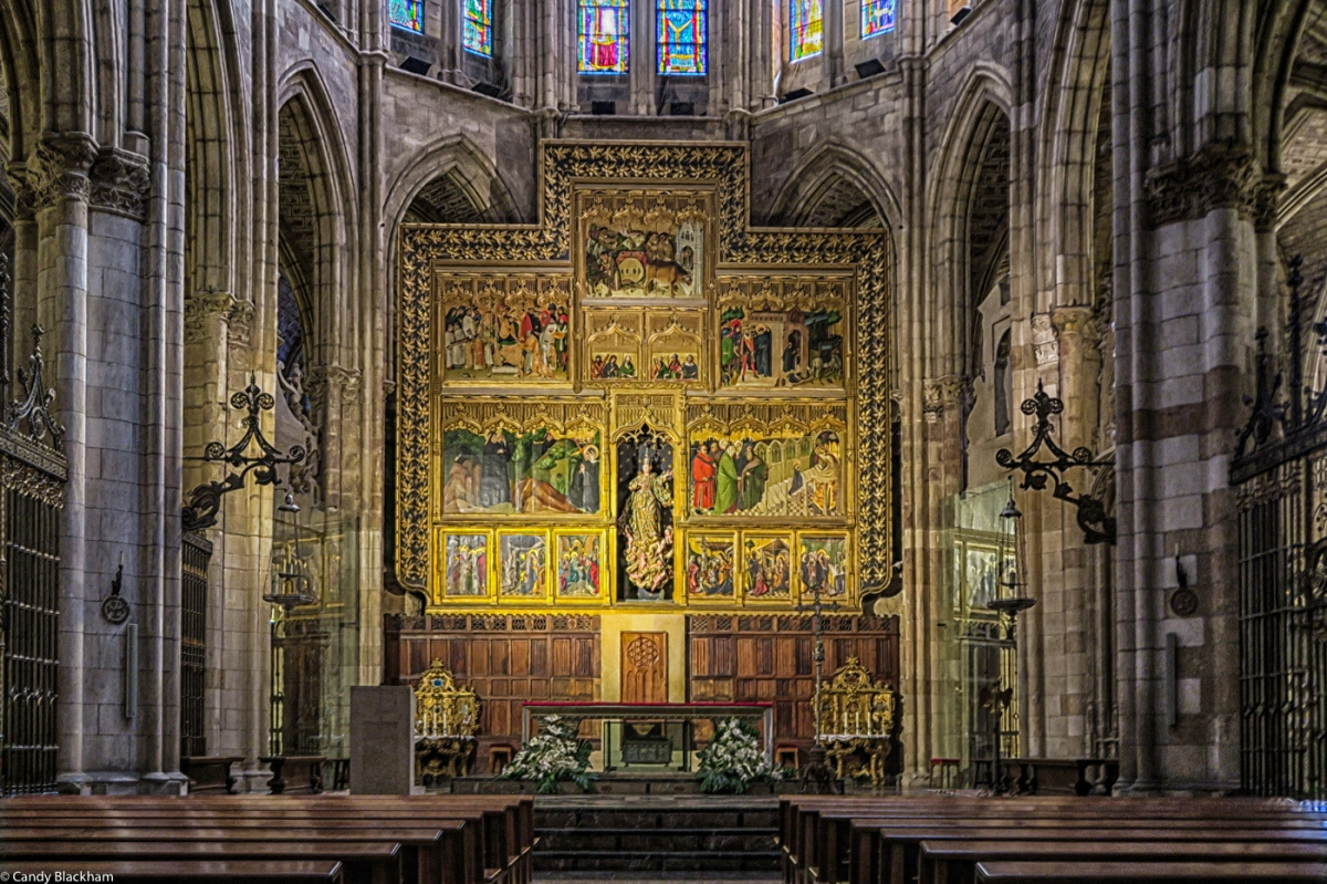 The main altar and the retable in Leon Cathedral