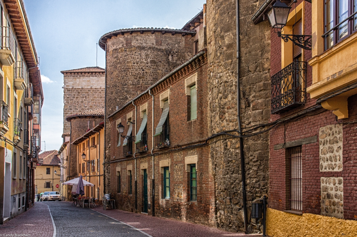 The Calle Selledores, with the walls on the right